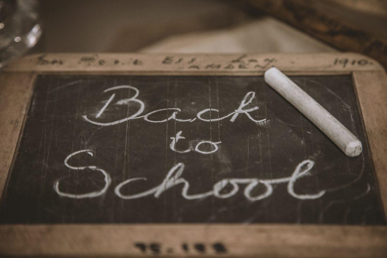 Училищна финансова задача за родители